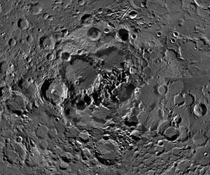 Ландшафт лунного Северного полюса