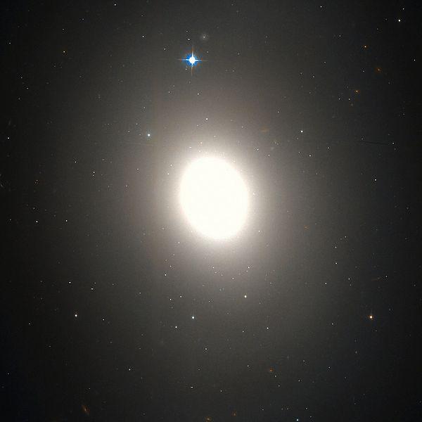M85 - галактика в созвездии Волосы Вероники