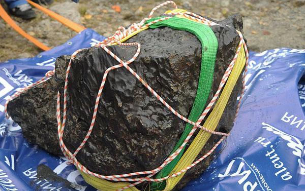Из озера Чебаркуль поднят метеорит (ФОТО, ВИДЕО)