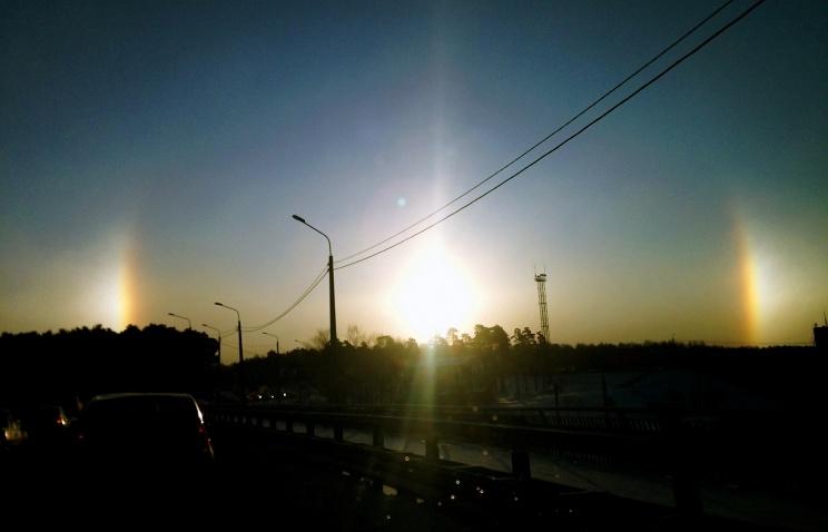 Три Солнца на небе 17 февраля 2015