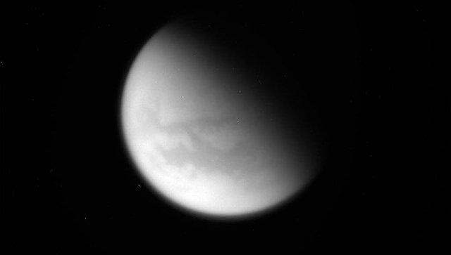 Зонд Кассини отправил на Землю фотографии Титана