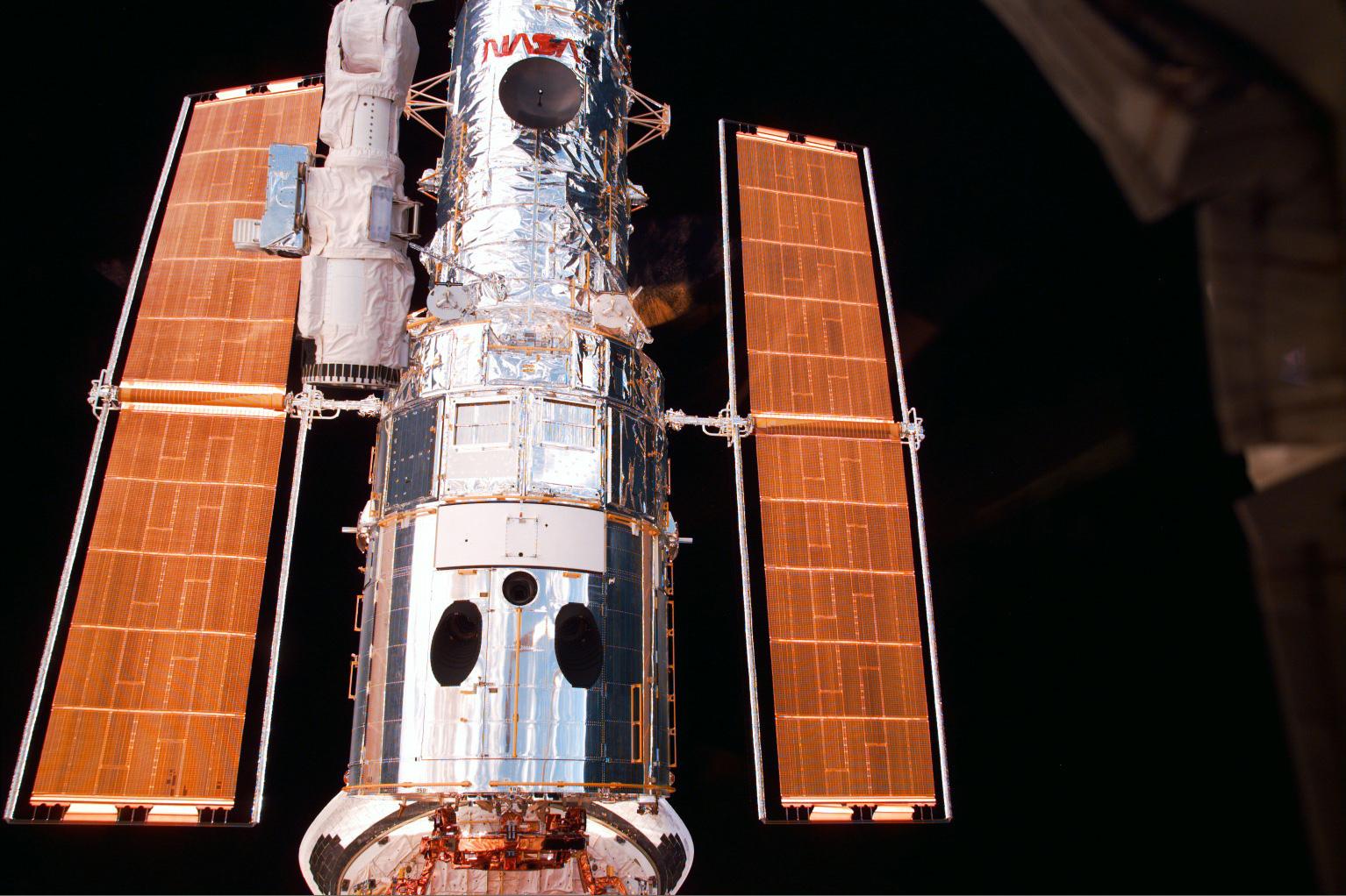 nasa building the hubble space telescope - HD1280×853