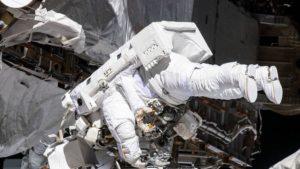 Длительные полеты в космосе вызвали у астронавтов обратный ток крови