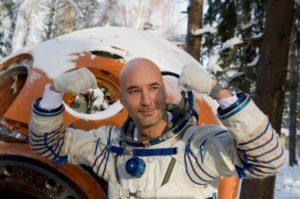 Экипаж МКС в открытом космосе отремонтирует альфа-спектрометр