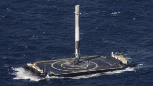 Илон Маск строит плавучий космодром