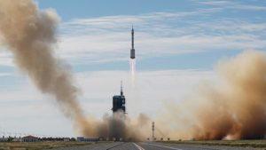 Китайские космонавты прибыли на новую китайскую космическую станцию