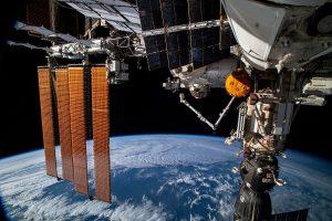 Инцидент в космосе: российский модуль отклонил с орбиты МКС